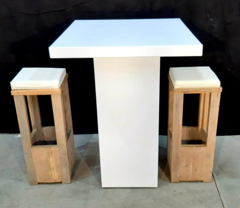 Statafel strak wit vierkant 80x80x110