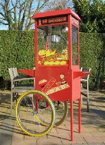 Popcornmachine met decoratieve onderwagen